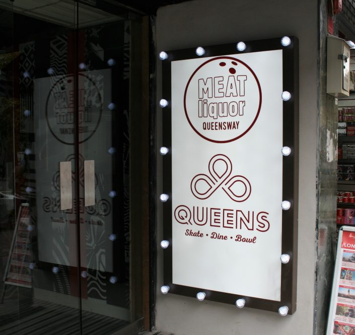 External signage with cabochon bulbs